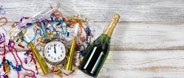 éjfél ünneplés új év rusztikus fehér asztal Stock fotó © tab62