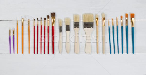 Organisé nouvelle pinceaux blanche bois élevé Photo stock © tab62