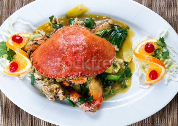 Bütün pişmiş yengeç yeşil soğan sos beyaz Stok fotoğraf © tab62