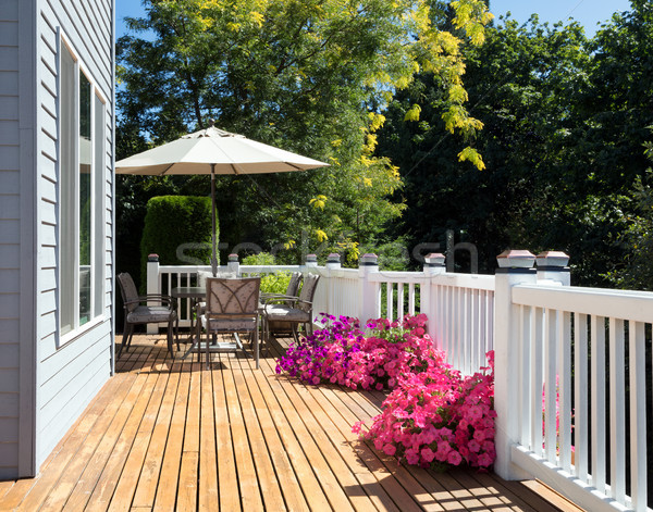 Casa cedro convés brilhante verão dia Foto stock © tab62