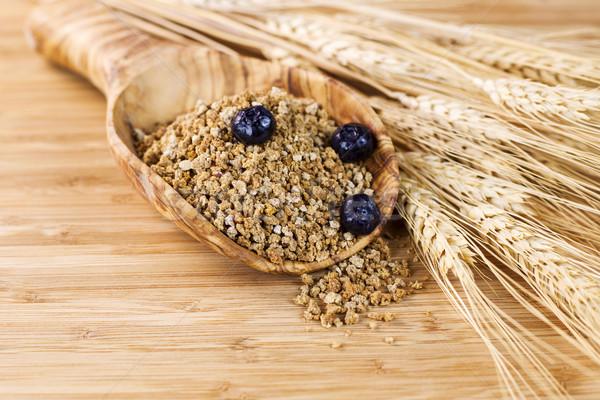 Naturales todo grano cereales cuchara de madera primer plano Foto stock © tab62
