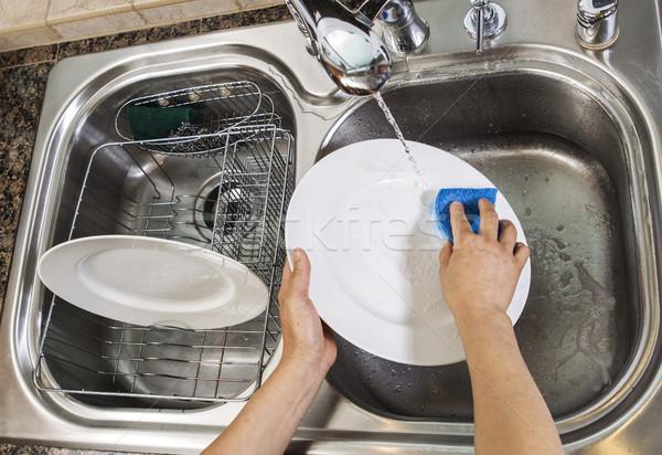 Ręce uruchomiony wody kran umywalka Zdjęcia stock © tab62