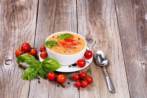 Taze kremsi domates çorbası fesleğen yaprakları rustik Stok fotoğraf © tab62