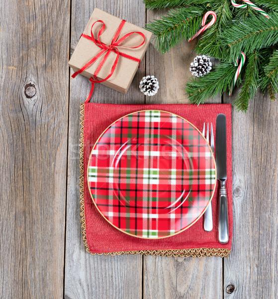 Karácsony vacsora örökzöld ágak ajándék doboz rozsda Stock fotó © tab62