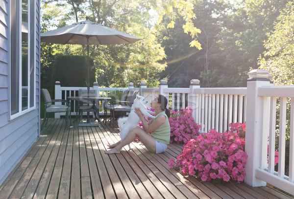 Frau Haustier Hund Freien home Deck Stock foto © tab62