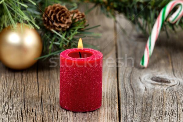 Brucia rosso Natale candela evergreen ornamenti Foto d'archivio © tab62