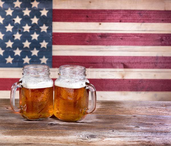 Fêtes deux pinte bière vintage bois Photo stock © tab62