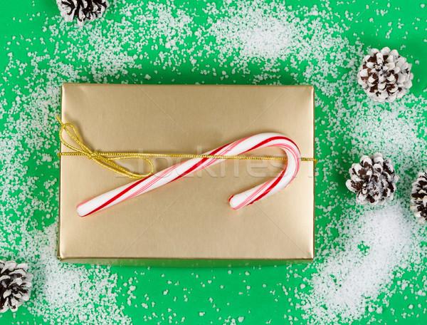Férias caixa de presente verde tiro dourado Foto stock © tab62