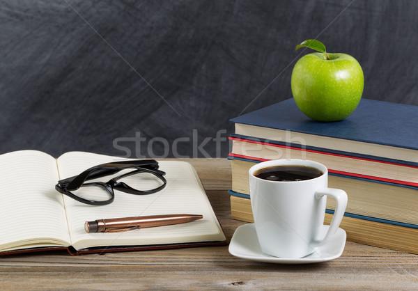 Desktop insegnante classe rustico libri Foto d'archivio © tab62