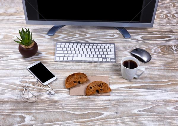 Pirított bagel sötét kávé dolgozik asztali Stock fotó © tab62