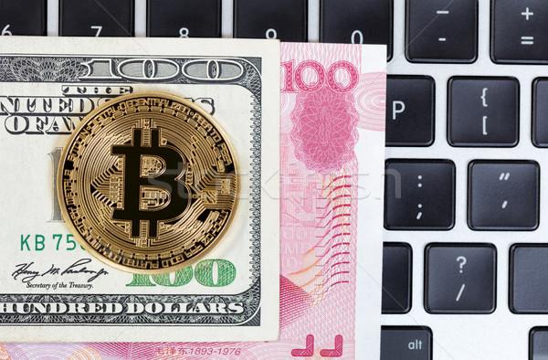 Bitcoin munt toetsenbord gemengd papiergeld goud Stockfoto © tab62