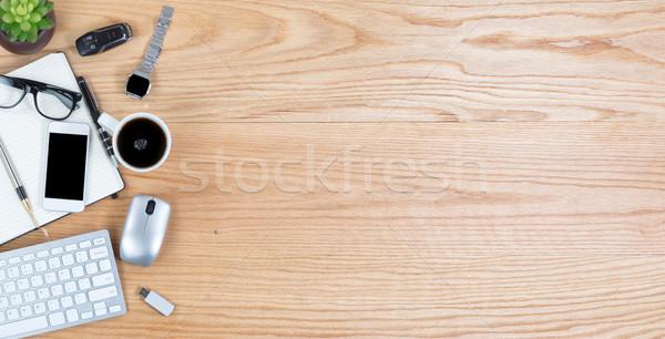 Vue rouge chêne bureau technologie sans fil haut Photo stock © tab62