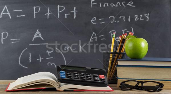 Escuela escritorio aprendizaje financiar fórmulas estudiante Foto stock © tab62