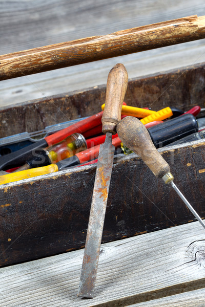 Vieux bois boîte à outils outils vertical image Photo stock © tab62