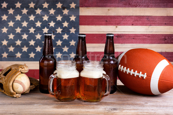 Bière sport fêtes deux pinte plein Photo stock © tab62