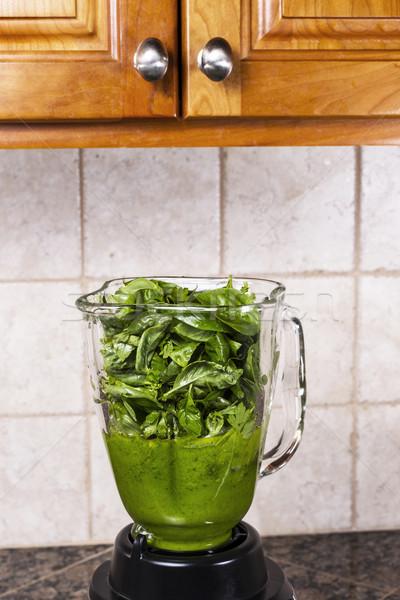 Fesleğen pesto taze mutfak tezgahı üst Stok fotoğraf © tab62
