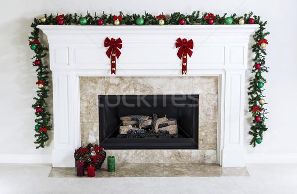 Urlaub Kamin Erdgas dekoriert Weihnachten Ornamente Stock foto © tab62