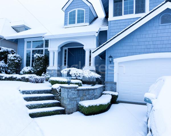 Neve coberto calçada casa inverno queda de neve Foto stock © tab62