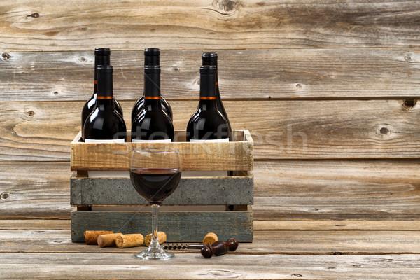 üveg vörösbor tele üvegek fa láda Stock fotó © tab62