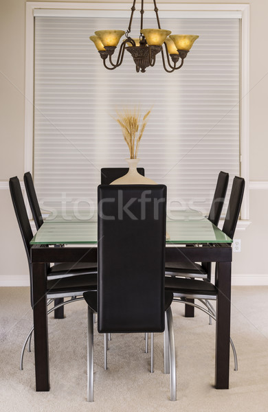 Jadalnia szkła tabeli skóry krzesła nowoczesne Zdjęcia stock © tab62