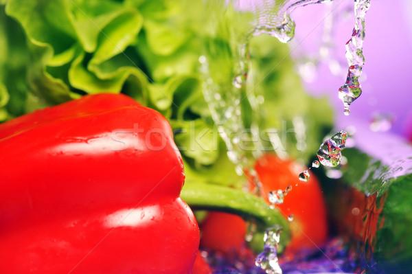 Tomates pepino salpicaduras ensalada violeta agua Foto stock © taden