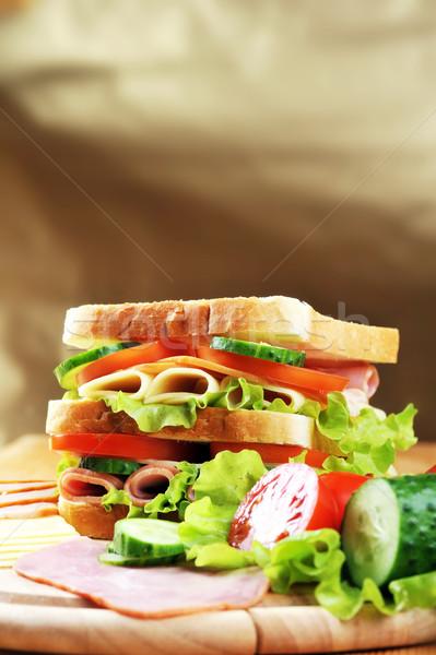 Fresche gustoso sandwich prosciutto formaggio verdura Foto d'archivio © taden