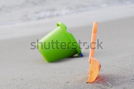 небольшой зеленый детей ковша морем берега Сток-фото © taden