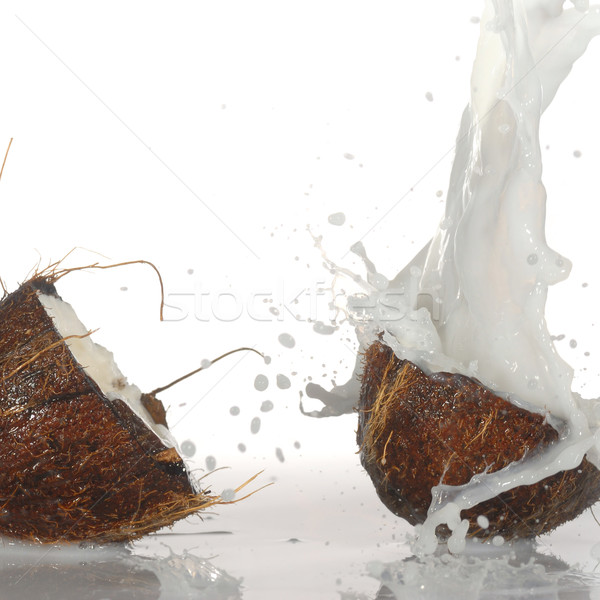 ひびの入った ココナッツ ビッグ スプラッシュ 孤立した 水 ストックフォト © taden