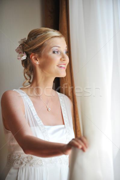 красивой невеста белое платье комнату лице Сток-фото © taden