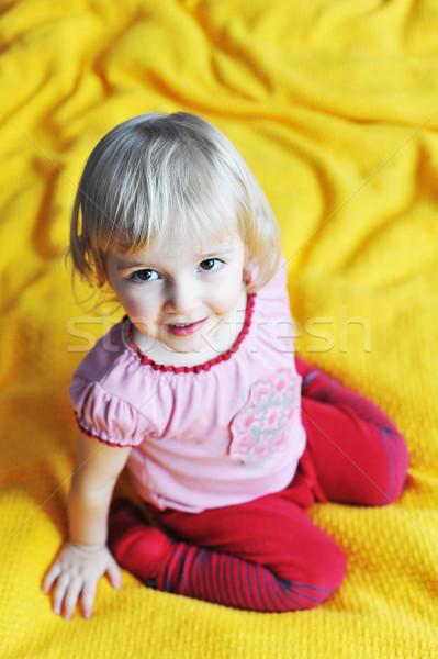 Menina cama alegre little girl pais crianças Foto stock © taden