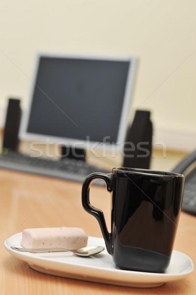 Werkplek kantoor monitor beker werk tabel Stockfoto © taden