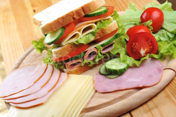 Сток-фото: вкусный · сэндвич · свежие · деревянный · стол · таблице · группа