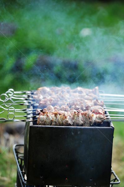 Et dilimleri hazırlık sos yangın çim Stok fotoğraf © taden