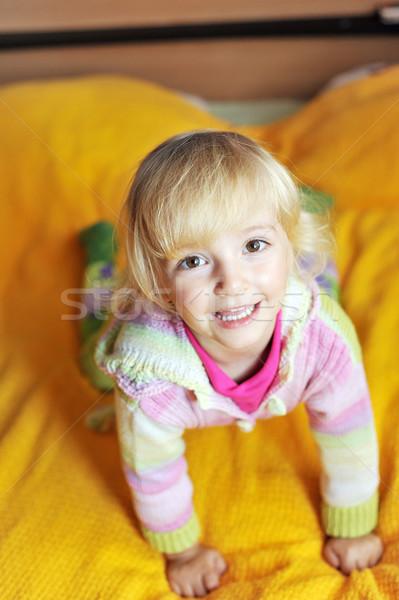 Kislány gyönyörű ágy ház szeretet szemek Stock fotó © taden