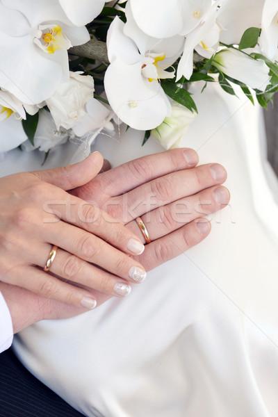 рук обручальными кольцами букет белый орхидеи семьи Сток-фото © taden