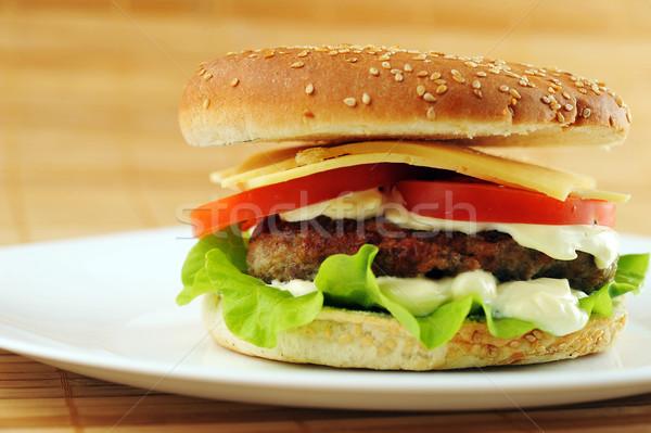 Hamburger sebze yemek tablo grup buğday Stok fotoğraf © taden