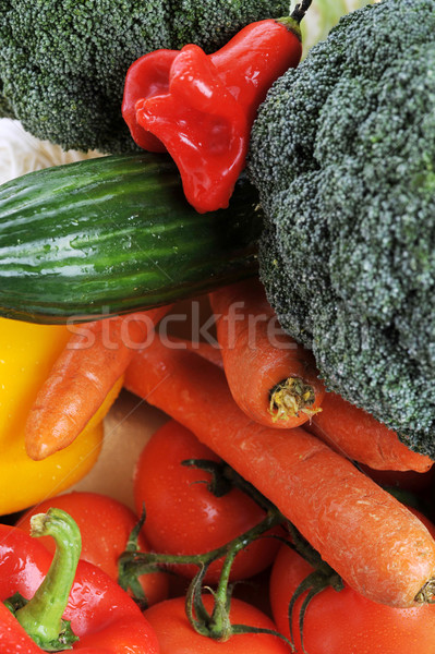 Sebze tablo brokoli domates havuç salatalık Stok fotoğraf © taden