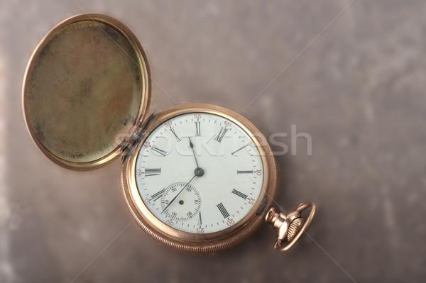 Vecchio oro guardare mentire tavola tempo Foto d'archivio © taden