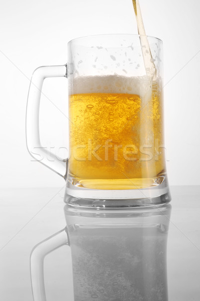 Bira cam gözlük altın içecekler Stok fotoğraf © taden
