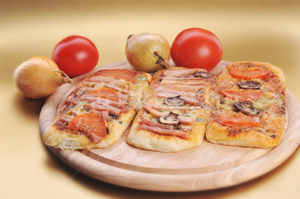 Foto stock: Três · pequeno · comida · pizza · jantar