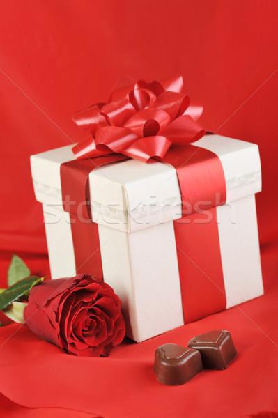 Dom chocolate belo rosa vermelha vermelho Foto stock © taden