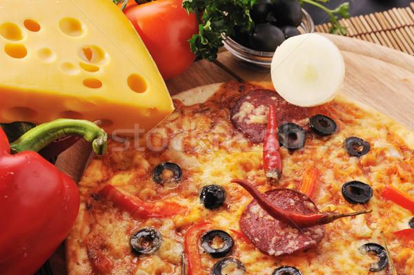 Sabroso pizza placa alimentos Foto stock © taden