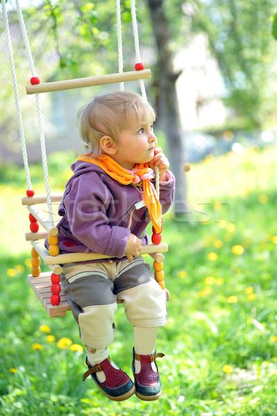 ストックフォト: 少女 · 女の子 · 公園 · 花 · 顔 · 自然
