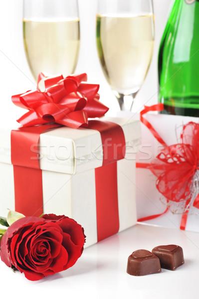 Champán chocolate hermosa Rose Red amor Foto stock © taden