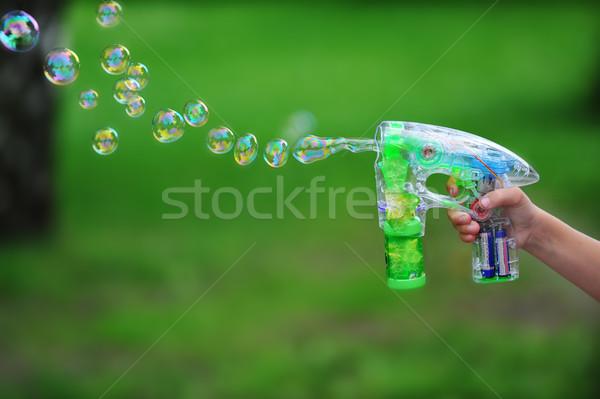 Zeepbellen vliegen groene gras Blauw leuk Stockfoto © taden