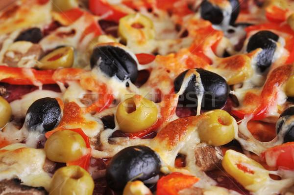 Frescos pizza pepperoni aceitunas pimientos Foto stock © taden