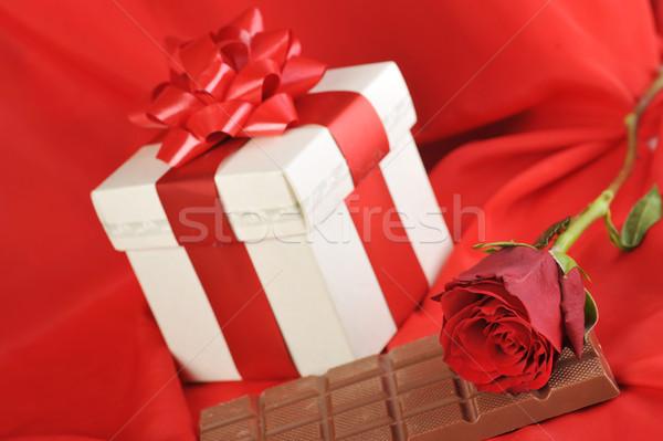 Geschenk chocolade mooie Rood rose Rood Stockfoto © taden