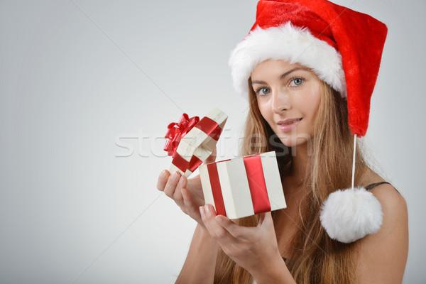 Stok fotoğraf: Genç · kadın · noel · baba · güzel · şapka · hediye · kutusu