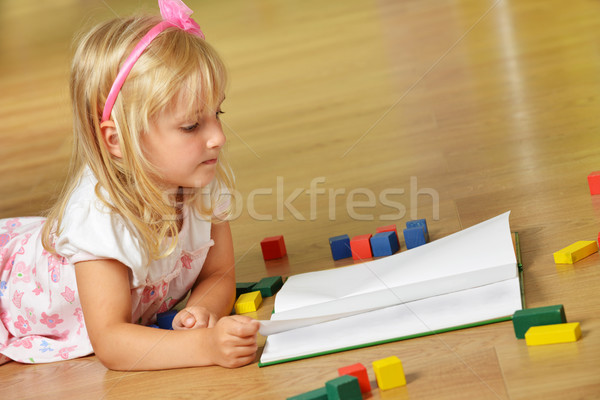 Menino irmã pequeno jogar casa família Foto stock © taden