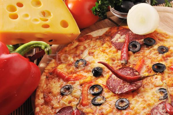 вкусный пиццы помидоров сыра маслины Сток-фото © taden
